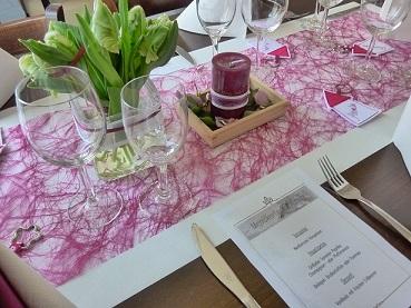 Festliche Tischdekoration Blumenschmuck Zur Hochzeitsfeier